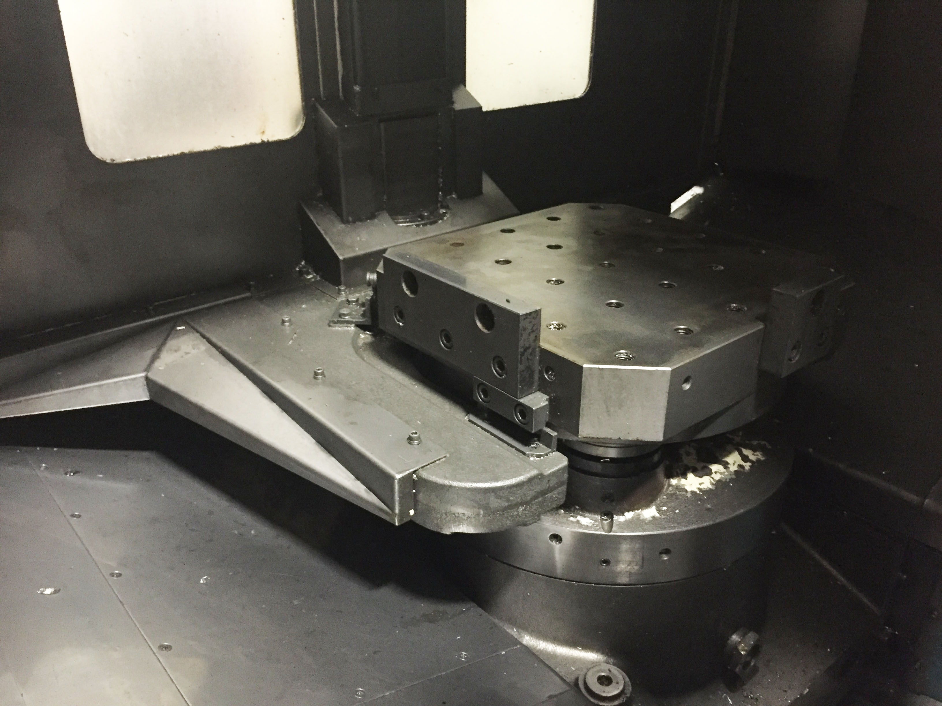 Kitamura HX400iF Inside